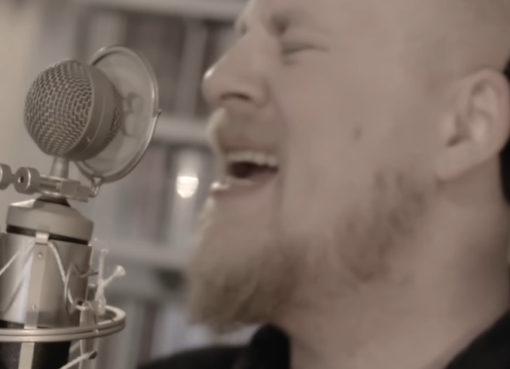 Záběr z videoklipu oficiálního songu MS 2019